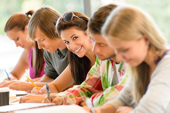 تقویت عملکرد دختران در دروس علوم و ریاضی