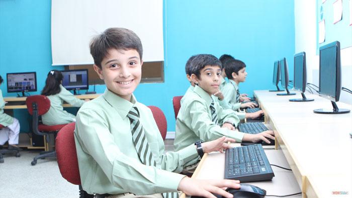 طراحی سامانه نرم افزاری هوشمندسازی مدارس